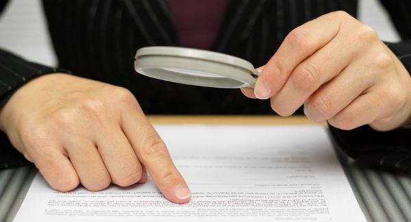 É importante prestar bastante atenção antes de assinar um contrato de locação de imóveis, para não sair prejudicado em caso de quebra desse contrato. (Foto: Divulgação)