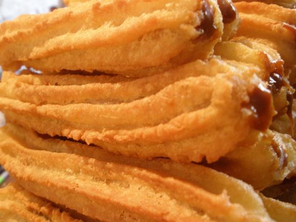 O churros serve de inspiração para uma receita de brigadeiro. (Foto Ilustrativa)