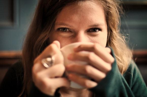 Chá de alteia com hortelã é uma boa opção. (Foto Ilustrativa)