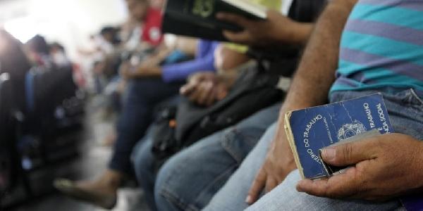 Os desempregados poderão fazer o agendamento do seguro desemprego online (Foto: Divulgação Exame/Abril)