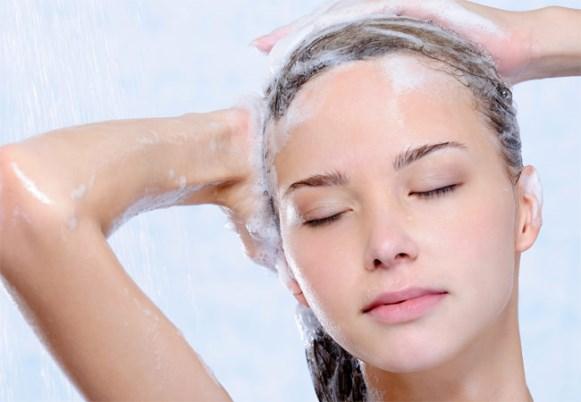 Aplique o shampoo normalmente. (Foto Ilustrativa)