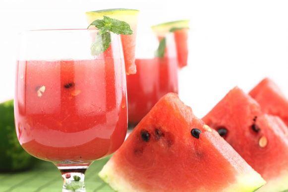 Elimine o inchaço do corpo com suco de melancia. (Foto Ilustrativa)