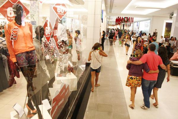 Shoppings ficam lotados em dezembro, durante as compras, e em janeiro, durante as trocas (Foto: Divulgação)