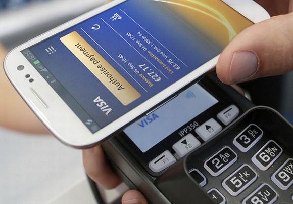 Com o cartão digital, você pode pagar suas compras através do celular (Foto Ilustrativa)