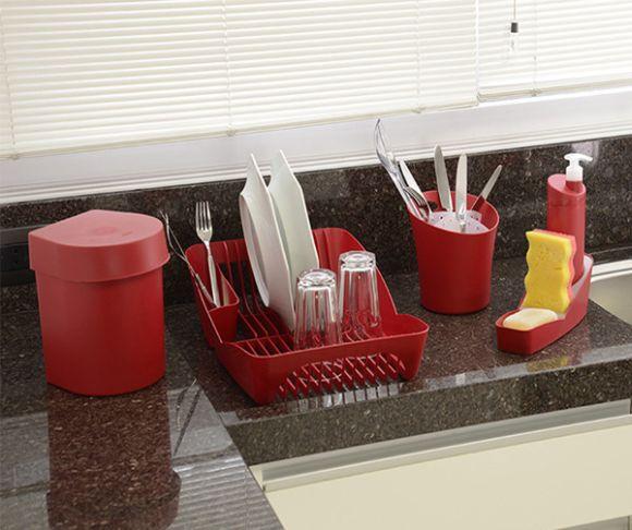 A higienização correta da lixeira da pia também elimina bactérias que podem contaminar alimentos (Foto Ilustrativa)
