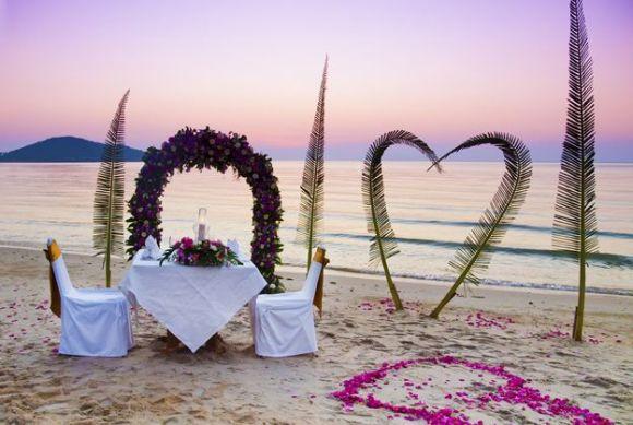 A decoração pode variar de acordo com o horário do casamento (Foto Ilustrativa)