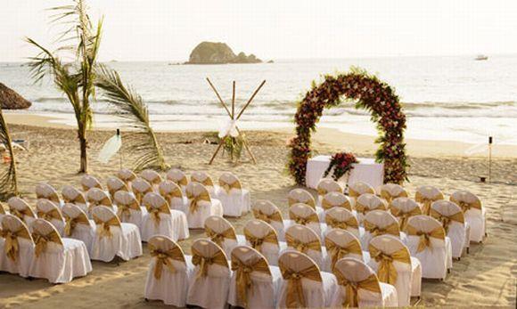 O casamento na praia é uma ótima opção para variar na cerimônia (Foto Ilustrativa)