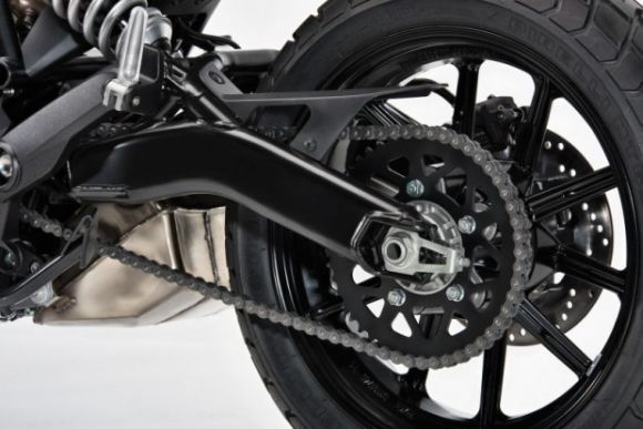 A Sixty2 tem freios ABS na dianteira e na traseira (Foto: Reprodução Ducati)