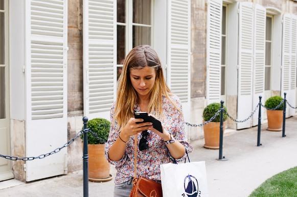 O seu smartphone pode ser um grande aliado na hora de fazer compras. (Foto Ilustrativa)