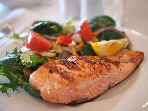 Faça refeições menores, a cada 3 horas (Foto Ilustrativa)