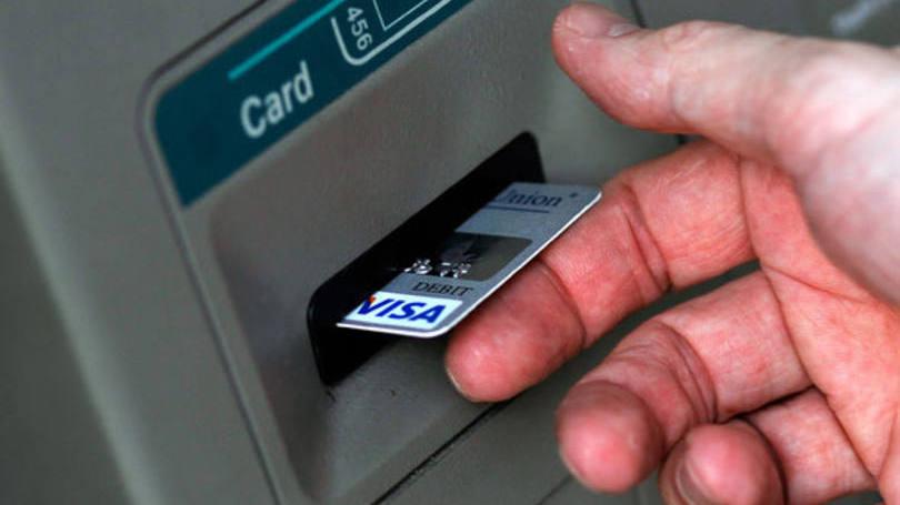 Alguns bancos oferecem empréstimo no caixa eletrônico  (Foto: Exame/Abril)