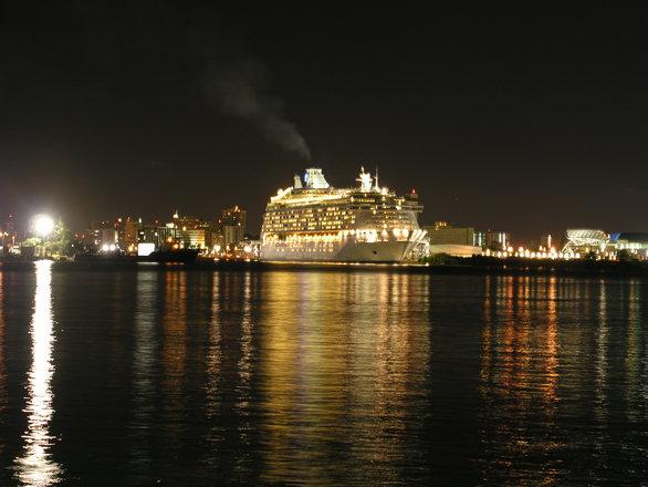 Várias atrações são promovidas no navio, ainda mais no final do ano (Foto: Divulgação)