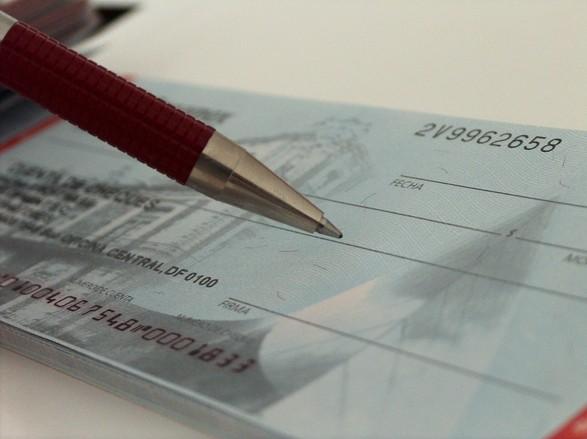 Dinheiro é descontado diretamente do pagamento (Foto: FreePik)