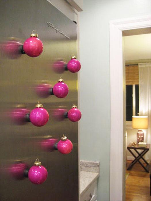 Use bolinhas de Natal na decoração (Foto: Casa Abril)