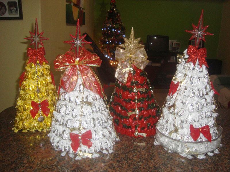 Os enfeites mais simples de Natal podem trazer um charme para a sua árvore (Foto: Divulgação)