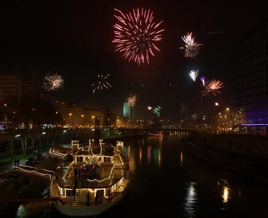 Centenas de lugares no mundo comemoram a chegada do ano novo (Foto: Divulgação)