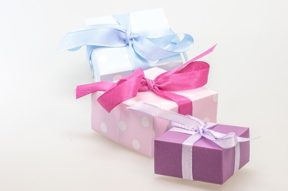 Você pode comprar presentes para os familiares sem comprometer o orçamento. (Foto Ilustrativa)