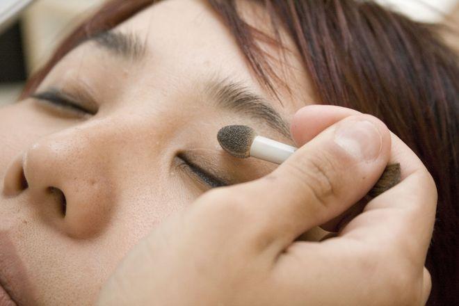 Saiba realçar os traços do rosto (Foto: Divulgação)