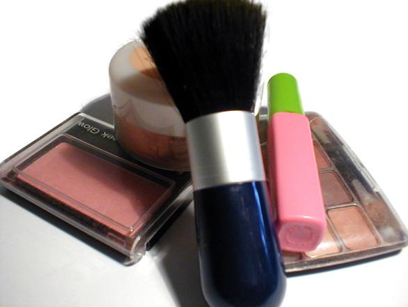 Utiliza produtos de qualidade para maquiagem durar mais (Foto: Divulgação)
