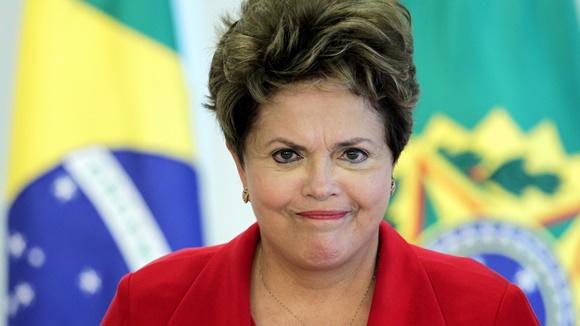 Processo de impeachment de Dilma é aprovado