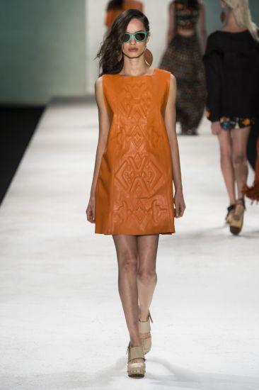Modelo de vestido diferenciado para o Ano Novo(Foto: Mdemulher)