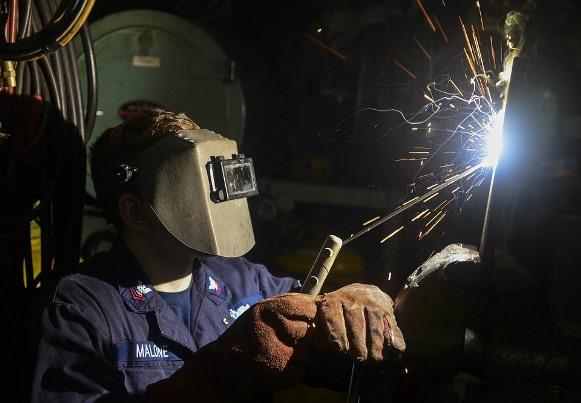 O curso gratuito de soldador é uma opção da escola. (Foto Ilustrativa)