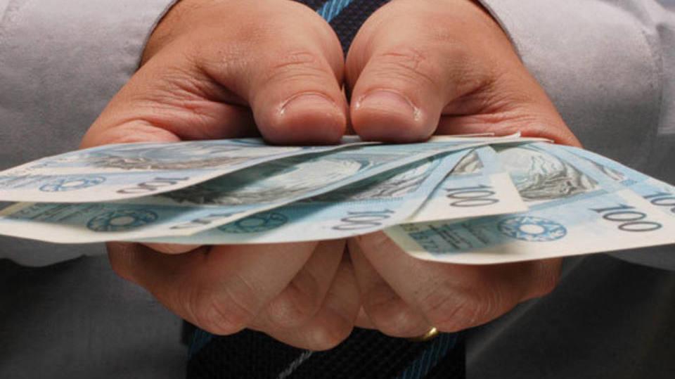 É preciso saber o valor dos juros para fechar um bom negócio (Foto: Exame/Abril)