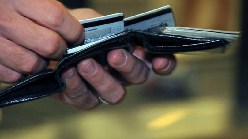 Compensa mais pegar empréstimo em vez de usar o cartão de crédito, em algumas sitauções (Foto: Exame/Abril)