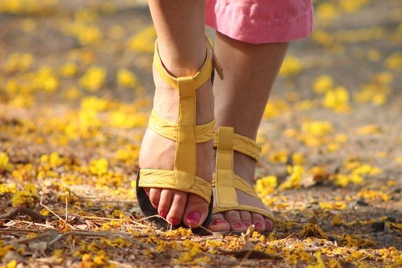 Dê preferência aos calçados confortáveis. (Foto Ilustrativa)