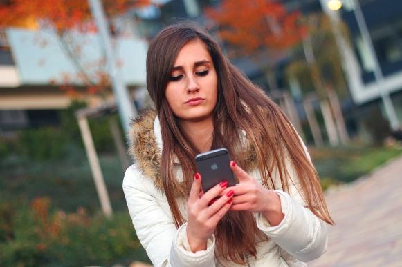 O WhatsApp terá um recurso de chamada de vídeo parecido com o do Skype. (Foto Ilustrativa)