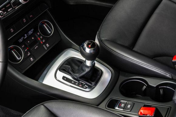 O câmbio é automático de dupla embreagem e 6 marchas (Foto: Divulgação Audi)