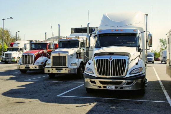 Já os caminhões pagam alíquota de 1,5% (Foto: Pixabay)