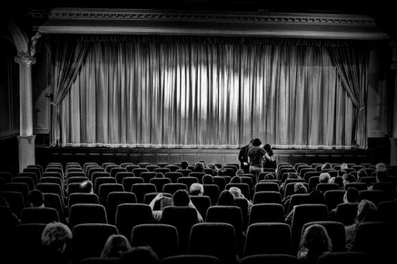 Que tal fugir das festas de fim ano indo ao cinema? (Foto Ilustrativa)