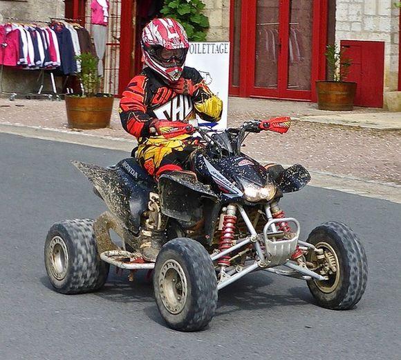 Os quadriciclos poderão circular pelas ruas, desde que registrados no Detran e conduzidos por pessoas habilitadas (Foto Ilustrativa)