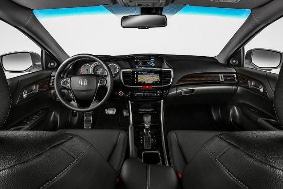 O interior ganhou novo acabamento (Foto: Divulgação Honda)