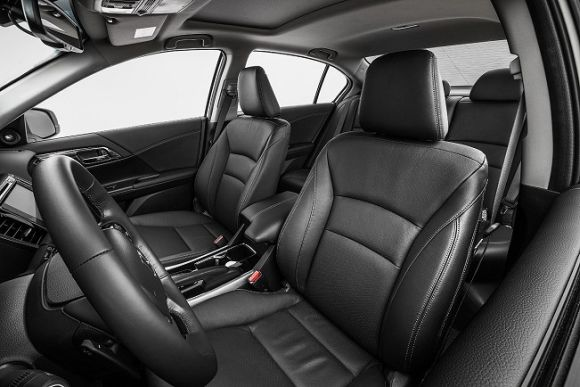 A nova linha do Accord é bastante confortável e esportiva (Foto: Divulgação Honda)