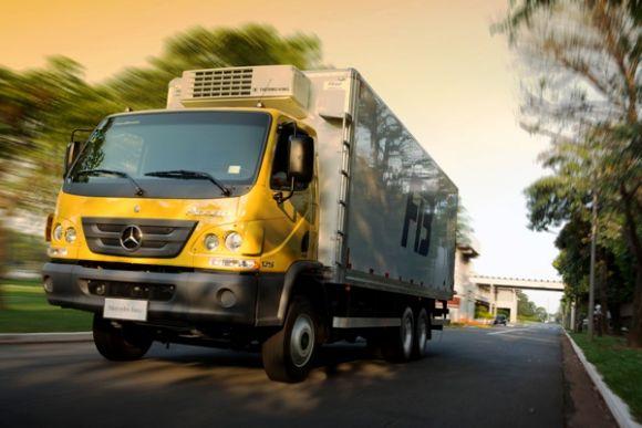 O Mercedes Accelo também ganhou novidades (Foto: Divulgação Mercedes-Benz)