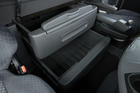O interior da cabine também traz várias novidades (Foto: Divulgação Mercedes-Benz)