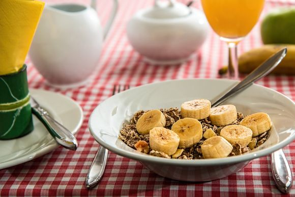 Fazer mais refeições ao longo do dia, em pequenas medidas, é uma boa (Foto Ilustrativa)
