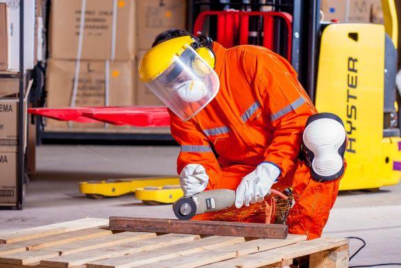O Senai forma milhares de profissionais para a indústria, anualmente (Foto Ilustrativa)