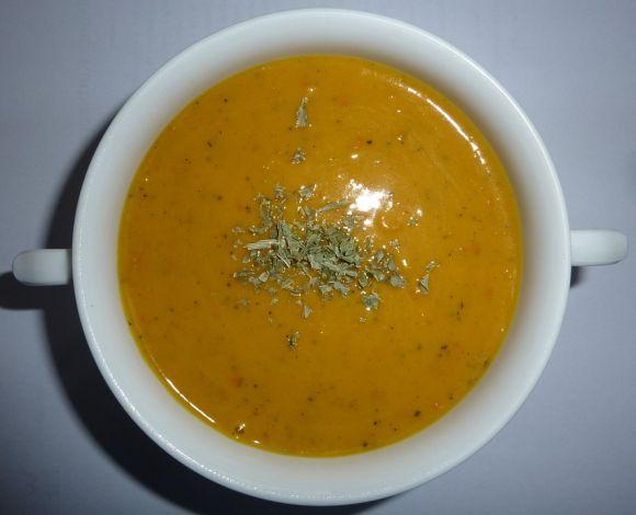 Sopa detox com frango (Foto Ilustrativa)