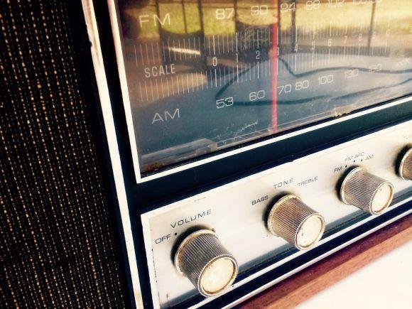 Coloque suas músicas preferidas para tocar na hora de acordar (Foto Ilustrativa)