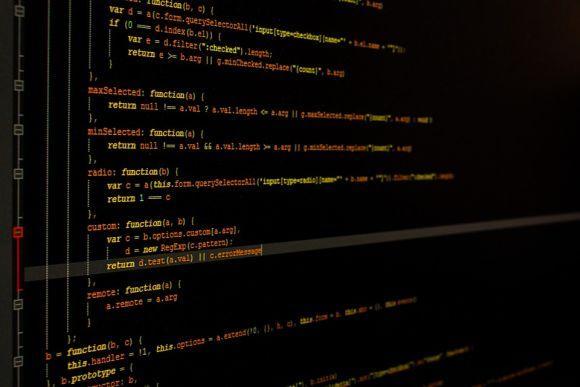 Cursos gratuitos de programação fazem parte da oferta (Foto Ilustrativa)