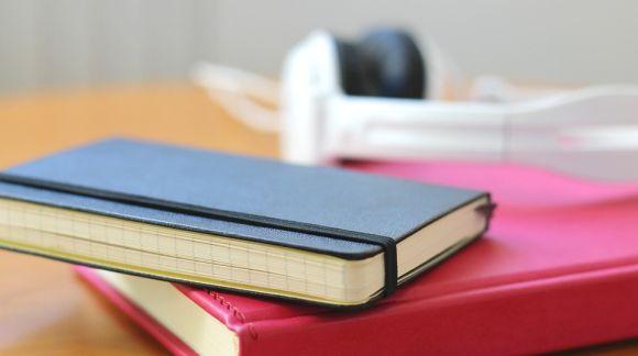 Durante as aulas virtuais, faça anotações para ajudar no aprendizado (Foto Ilustrativa)