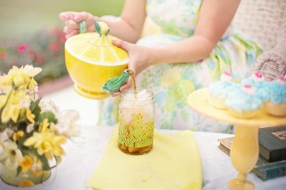 O chá gelado de menta é uma deliciosa opção. (Foto Ilustrativa)