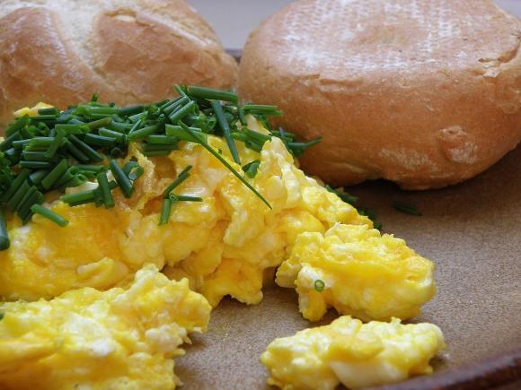 Preparar ovos mexidos também é uma boa opção. (Foto Ilustrativa)