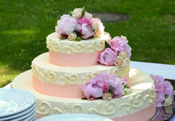 O bolo não pode faltar na festa de casamento. (Foto Ilustrativa)