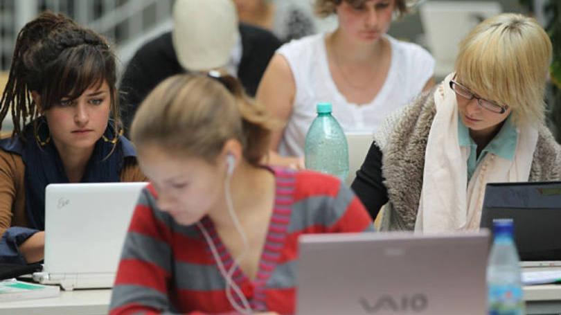 Centenas de alunos são beneficiados (Exame/Abril)