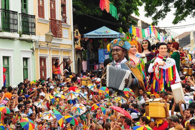 Garanta seu pacote e curta o melhor carnaval do nordeste (Foto: M de Mulher/Abril)