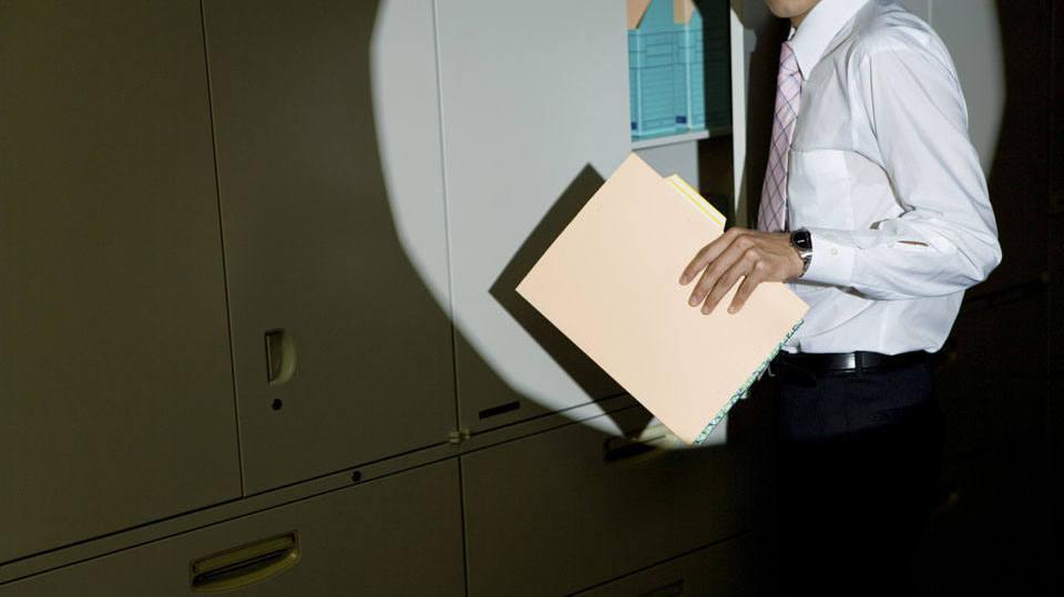 É preciso cumprir as normas da empresa para não encarar problemas (Foto: Exame/Abril)